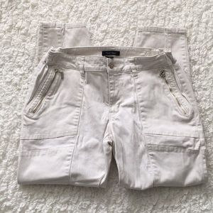 WHBM Off White Cropped Ankle Jeans